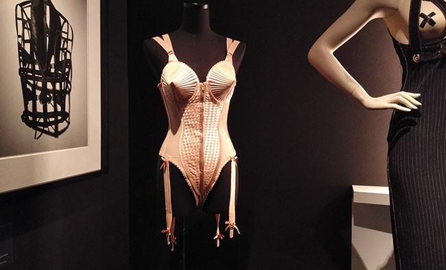 Madonna Korsett von Gaultier