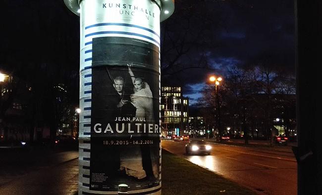 Plakat zur Gaultier Ausstellung in München